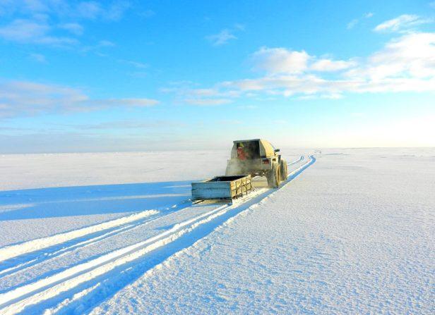 Kalameeste transport Peipsi järvele ehk nn järvetakso karakatiga