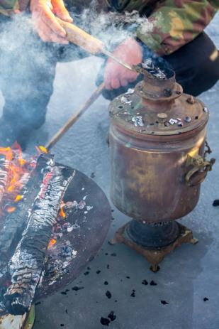 Supikeedu sütega tehti üles ka samovar, et pakkuda head samovariteed koos traditsioonilise keedusuhkruga.