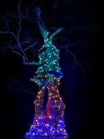 Sibulatee jõulupuu Varnjas, Mesi tare kodumajas
